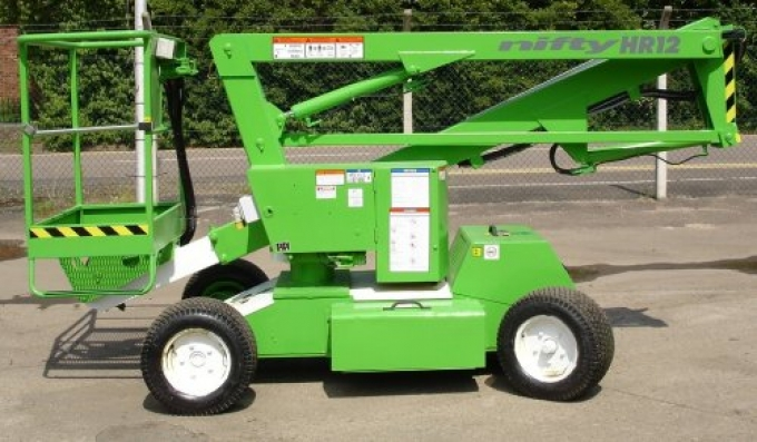 2001 Niftylift HR12NDE - Repainted