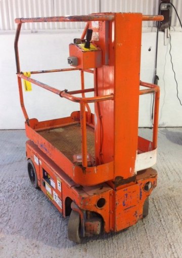 UpRight TM12 2001